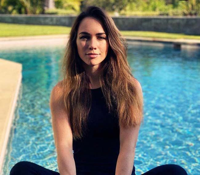 لیو بوئری کیست؟ | نگاهی به بهترین پوکر باز زن دنیا Liv Boeree