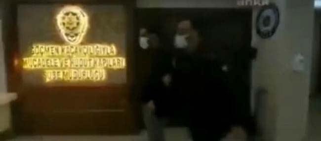 لغو دیپورت شدن میلاد حاتمی مدیر سایت شرط بندی به ایران (+عکس)