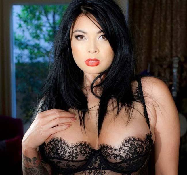 ترا پاتریک Tera Patrick کیست؟ | بیوگرافی خوش اندام ترین پورن استار آمریکایی (18+)