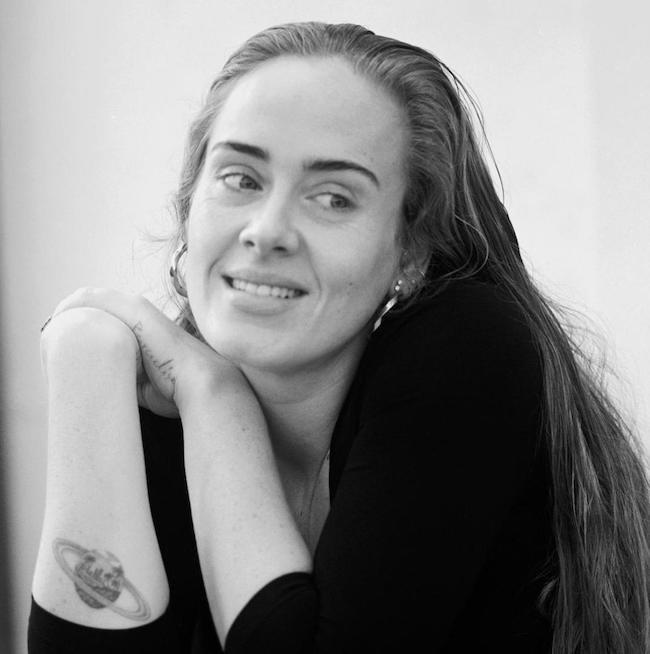 ادل و دلیل لاغری عجیب + بیوگرافی و نگاهی به آثار Adele