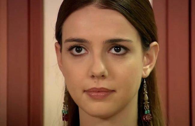 بیوگرافی سلن سویدر Selen Soyder بازیگر ترکیه در فیلم معروف عمر گل لاله (+عکس)