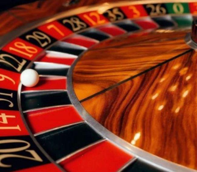 استراتژی قانون نیوتن برای برنده شدن در بازی رولت (سود ۵۰ میلیونی۱۰۰٪ تضمینی)