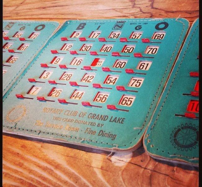 نحوه بازی پوکر هولدم سه کارتی + ترفند و قوانین لازم Three Card Hold 'Em