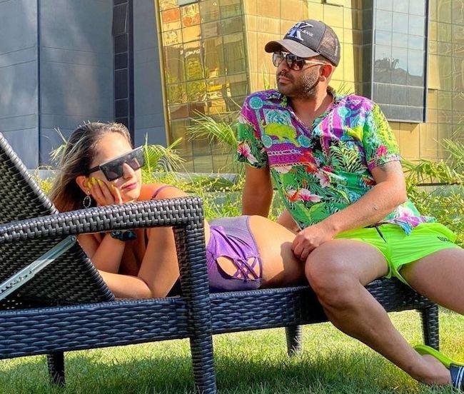 بیوگرافی آیسان نیک و دلیل محبوبیت او به همراه همسرش (+عکس داغ)